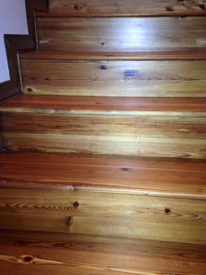 antique_heart_pine_stairs.jpg